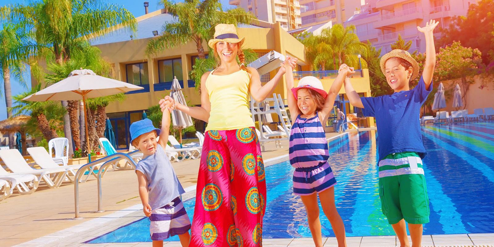 Constructii piscine publice si rezidentiale elcora piscine for Constructii piscine romania